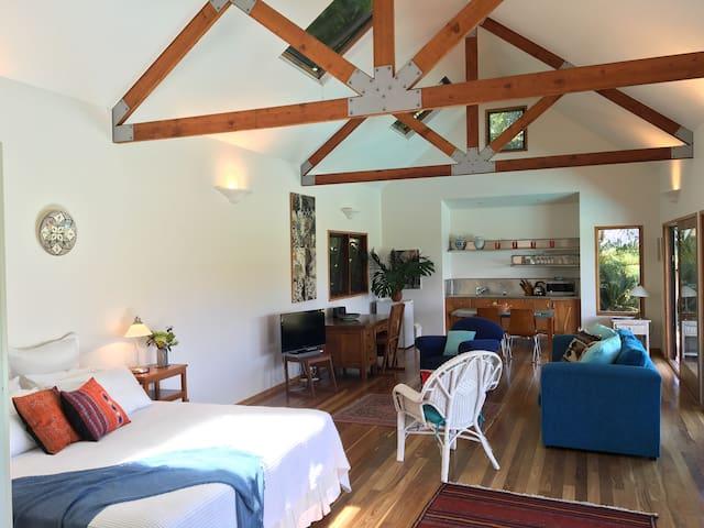 Private Poolhouse Byron Hinterland - Fernleigh - Houten huisje