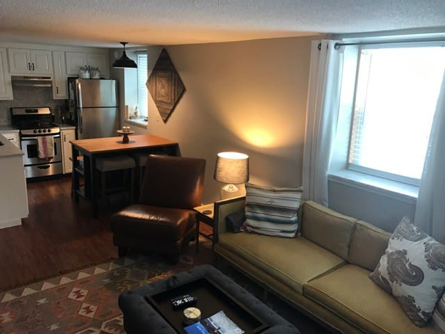 Updated Bethel Village Condo - Bethel - Appartement