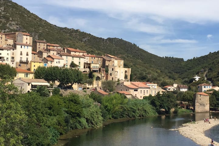 Cosy village house near the beach - Roquebrun - Rumah
