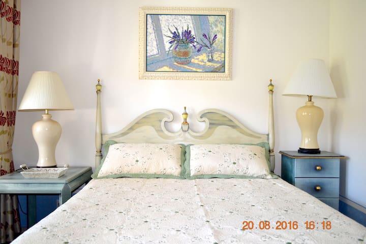 Resedinta Rotundu - Old Orhei - Bed & Breakfast
