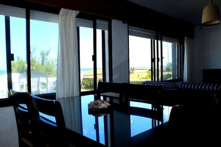 Una casa para disfrutar del océano todo el año - La Paloma - Dom