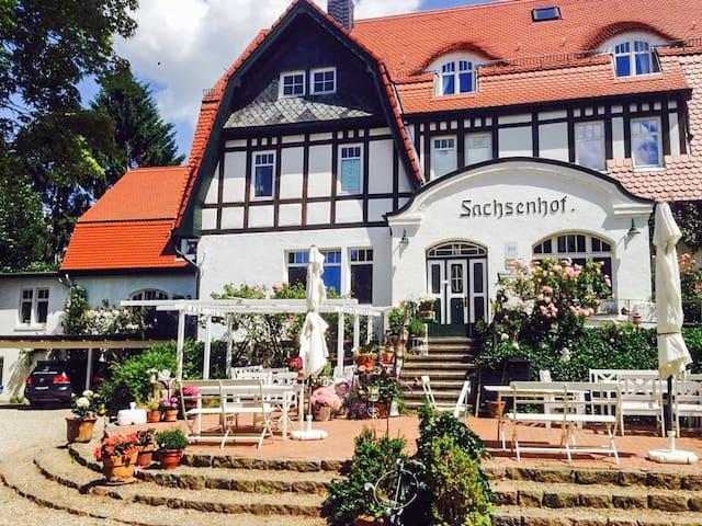 Romantisches Ferienzimmer Sachsenhof 10 - Scharbeutz - Bed & Breakfast