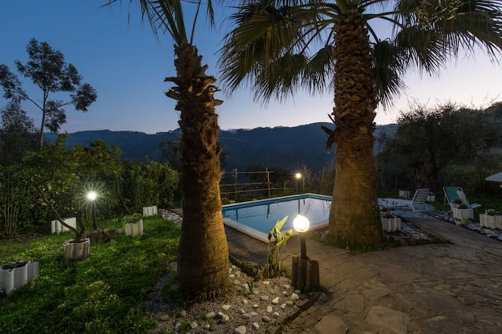 Holiday Home with Pool near the Beach - Sant'Angelo di Brolo - Hus