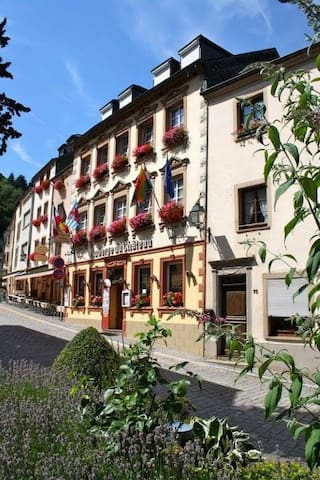 Auberge du Chateau - Doppelzimmer - Vianden - Bed & Breakfast