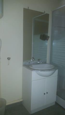 appartement clair et lumineux - Bédarieux - Leilighet