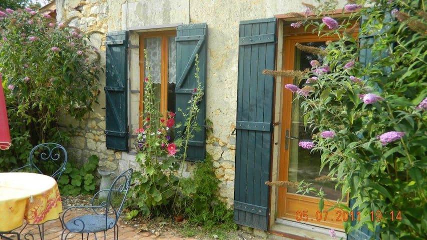 Studio te huur Charente Maritime - Saint-Bonnet-sur-Gironde - Departamento