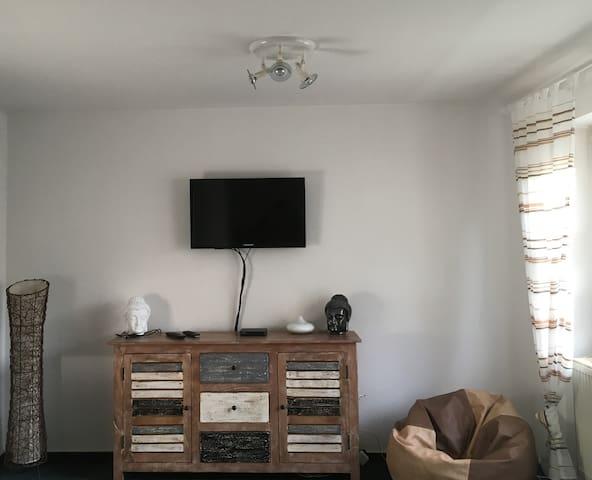 Hübsche helle 1-Zimmer Wohnung (Internet & TV HD) - Waiblingen - Apartamento