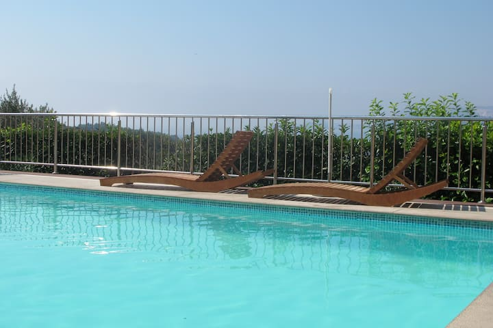 Cozy 2bedroom apartment with pool and sea view - Cavtat - Huis