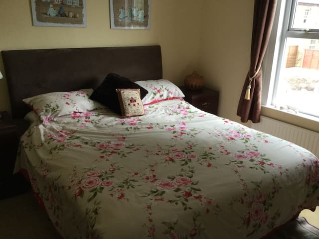 Comfortable welcoming family home - Wokingham - Ev
