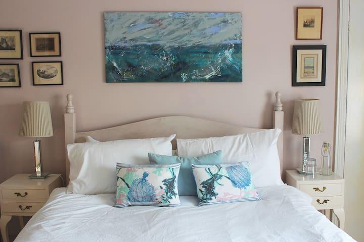 Mersea Island Period House - ensuite sunny room - West Mersea - Hus