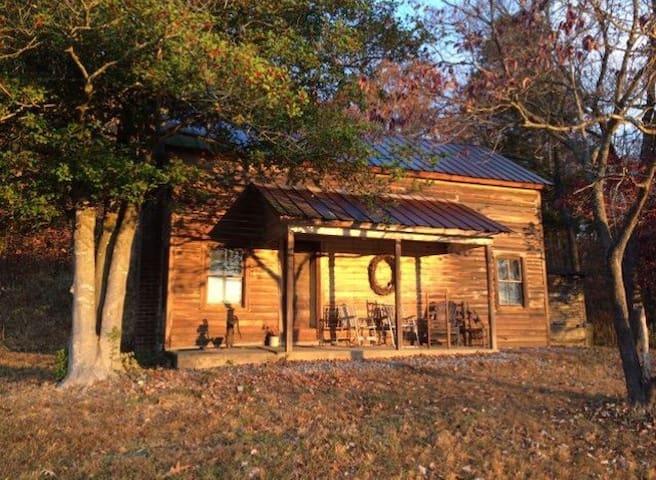 :-) Cozy Cabin in Appalachia - Greeneville - Hus