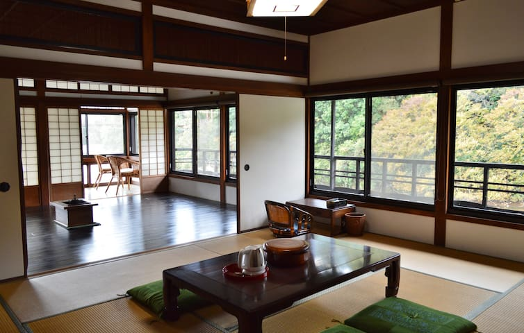 Riverside retreat for KIX n Koyasan.  Meet Nitama. - 紀の川市 - Huvila