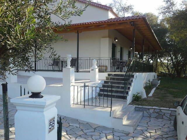 The Vine House, detached 2 bed villa, sea view . - Perivoli - Villa