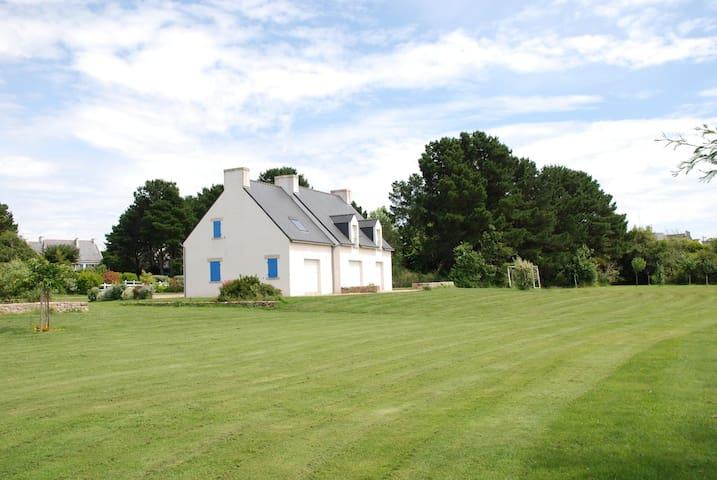 Maison avec grand jardin et plages à proximité. - Saint-Philibert - Hus