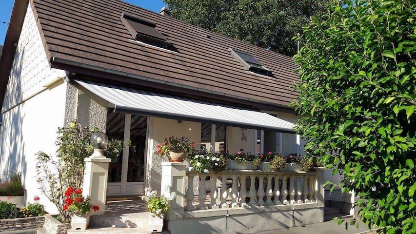 Chambres à l'étage privatisé - Bourg-Achard - Otros