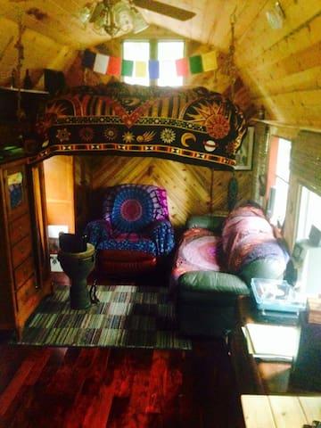 Magical Tiny Cabin - Gallatin