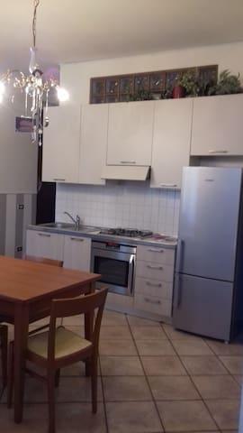 monolocale centro Seregno - Seregno - Daire