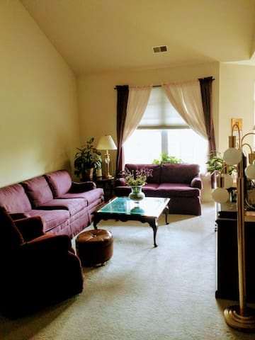 FlourishBnB Aberdeen Master Bedroom - Абердин - Квартира