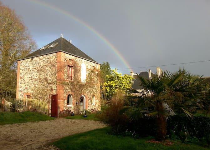 Ancien Pavillon de garde du château plage à 700 m - Aumeville-Lestre - Natur lodge