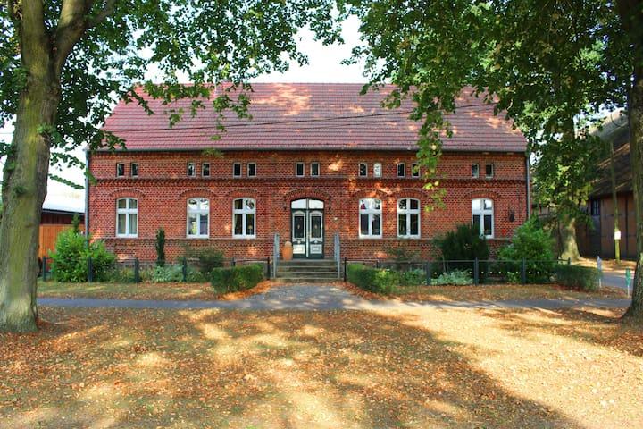 Romantisches Anwesen im Dorfkern von Buchholz - Buchholz - Leilighet