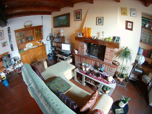 Accogliente e colorata casa - Castelnuovo Bormida - Maison