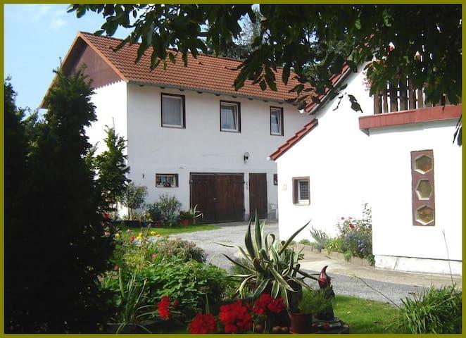 Ferienwohnung-Haus-Waldblick mit Balkon - Neschwitz