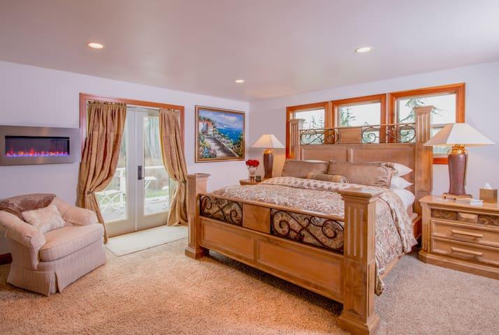 Pleasant Ridge B&B - Grand Room - Mount Vernon - Bed & Breakfast