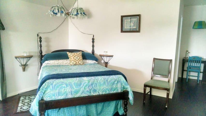 Songbird Suite- Sleeps 2-10 - Roanoke - Departamento