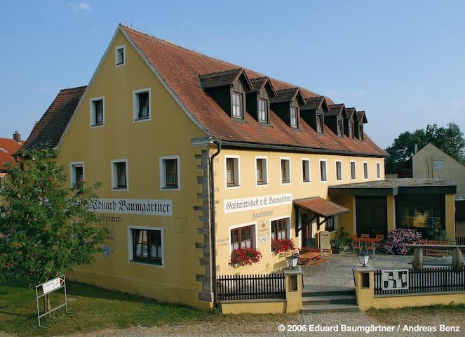 Günstige Unterkunft - 6 Zi. mit eigener Du/WC - Gunzenhausen - Pension