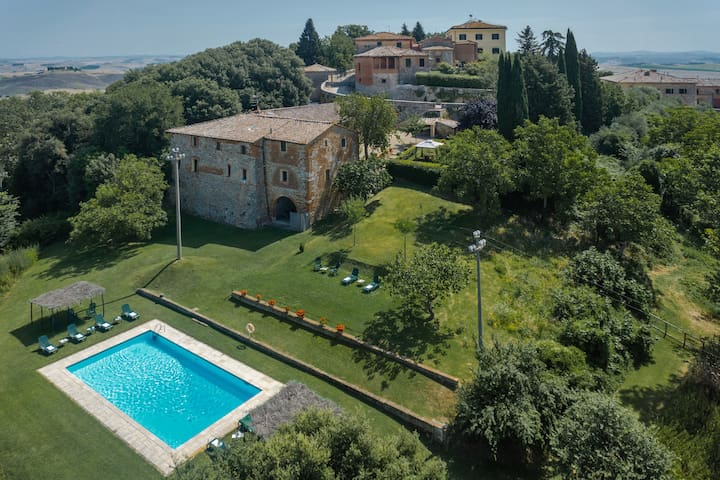 FARMHOUSE NICCHIO 15 MIN SIENA CENTER POOL WIFI - SIENA  - Leilighet