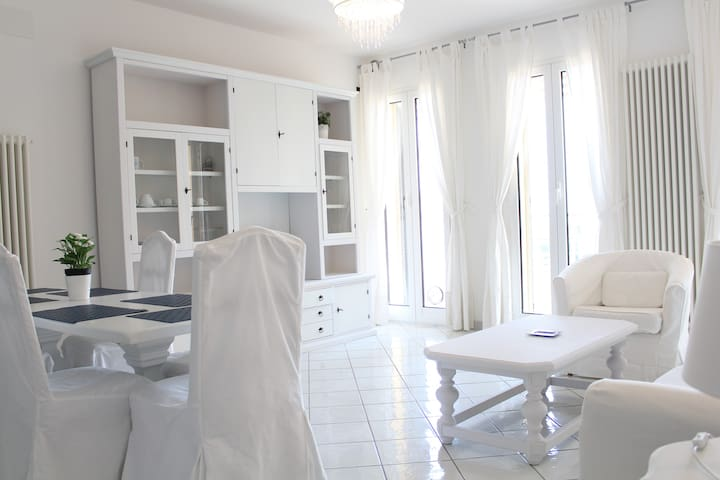 Beautiful apartment facing the sea! - Albenga