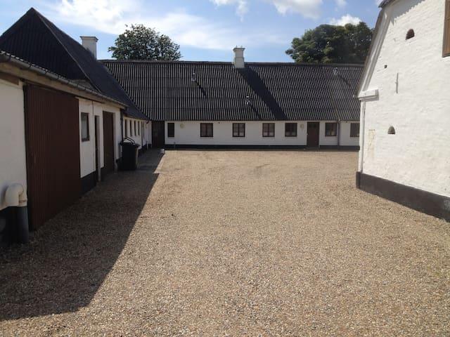 Knudsens gamle gård - Gredstedbro - Bed & Breakfast
