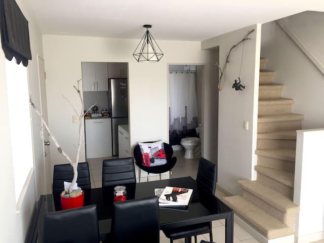 Habitación en casa nueva con estilo minimalista - Punta Arenas - House