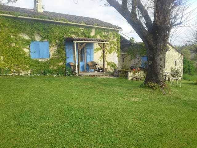 Delightful little country cottage. - Saint-Eutrope-de-Born