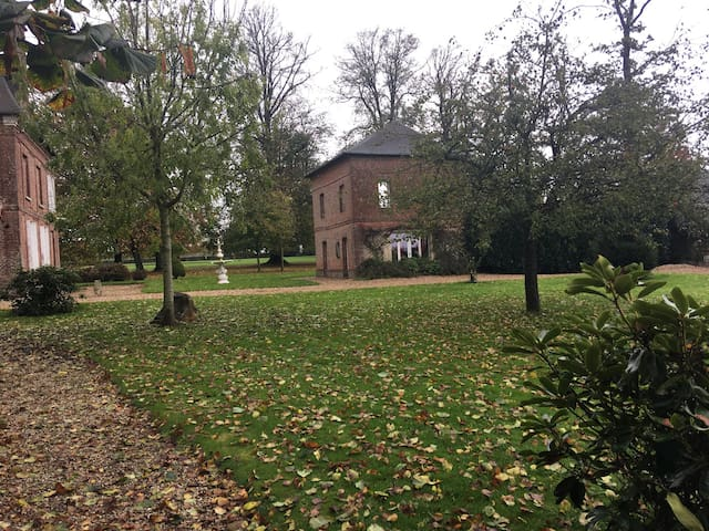 Maison dans parc 5 hectares Château de Grosfy - Hugleville-en-Caux - Talo