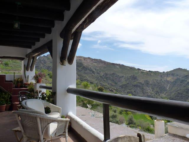Casa Sonia - Busquístar - Bed & Breakfast