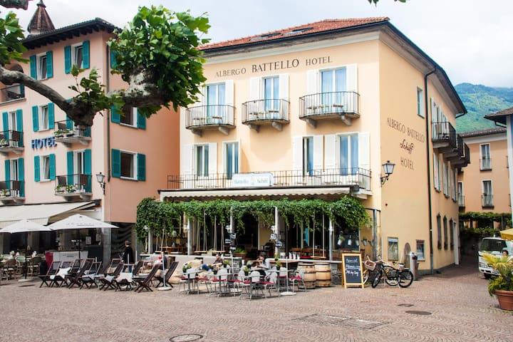 Charming apartment with a beautful terrace - Ascona - Appartement en résidence