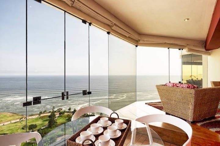 I15: Oceanfront condo with pool!!! - Miraflores District - Leilighet
