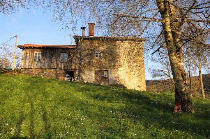 Petite maison rustique dans la montagne - Saint-Martin-des-Olmes