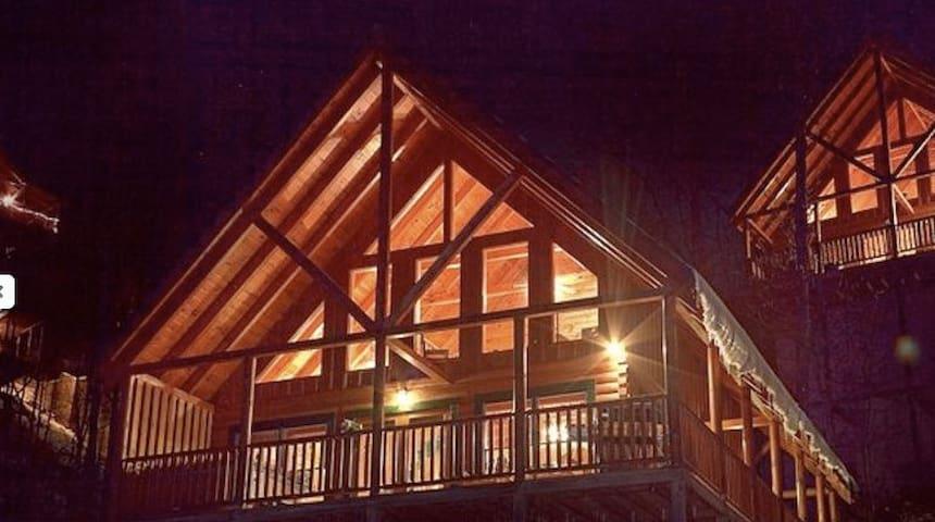 Three Bears Getaway - Pigeon Forge - Blockhütte