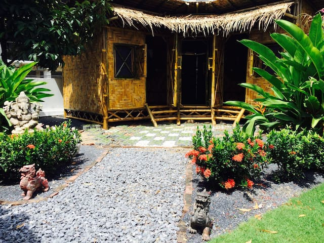 Somo Guesthouse & Restaurant - Bamboo Bungalow 2/3