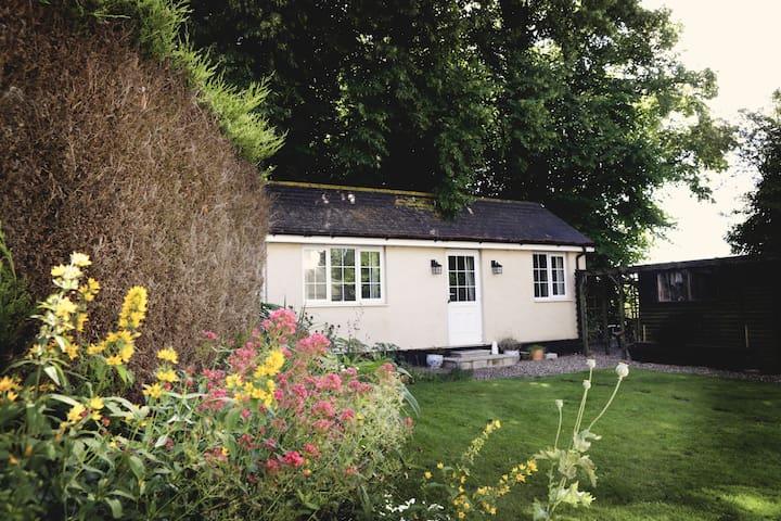 Stone Cottage Bungalow - Ormesby Saint Margaret - Bungalow