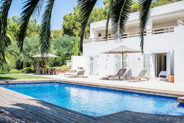 Villa Amantiga: Bohemian luxury in Ibiza - Sant Josep de sa Talaia