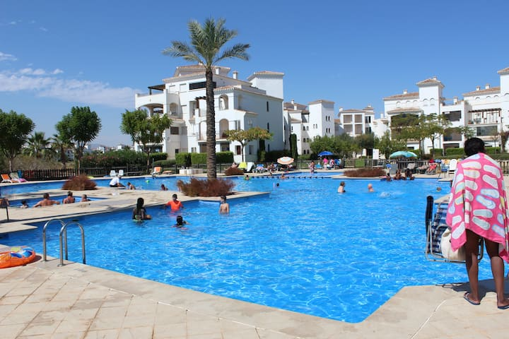 Fabulous 2 bed apartment with pool view - Torre-Pacheco - Appartement