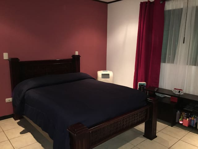 Modern and comfortable private room - San José