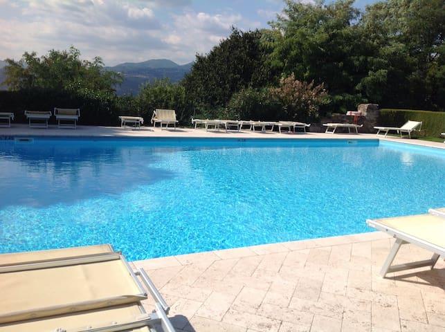 Appartamento in splendido borgo - Calvagese della Riviera - Leilighet