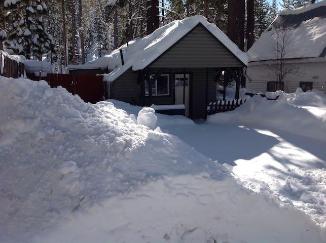 The Little Lake Tahoe Cabin - Glenbrook
