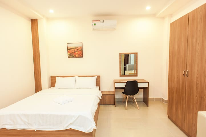 City Center & City Park - Queen Room #102 - Ho Chi Minh City - Appartement
