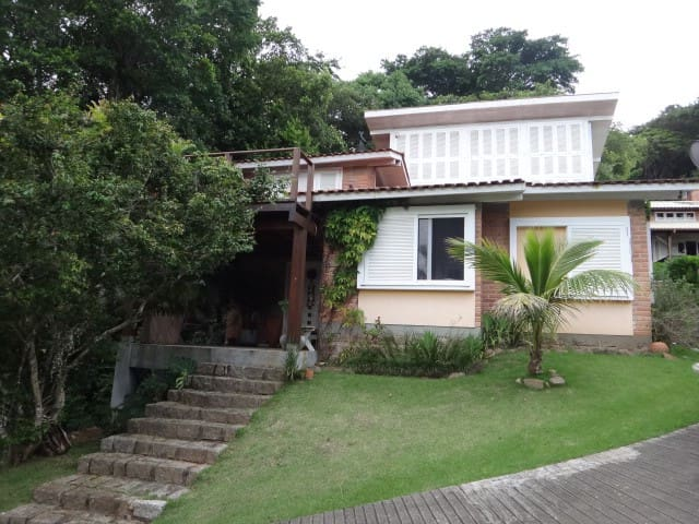 Dormitório com vista para a Lagoa da Conceição - Florianópolis - Haus