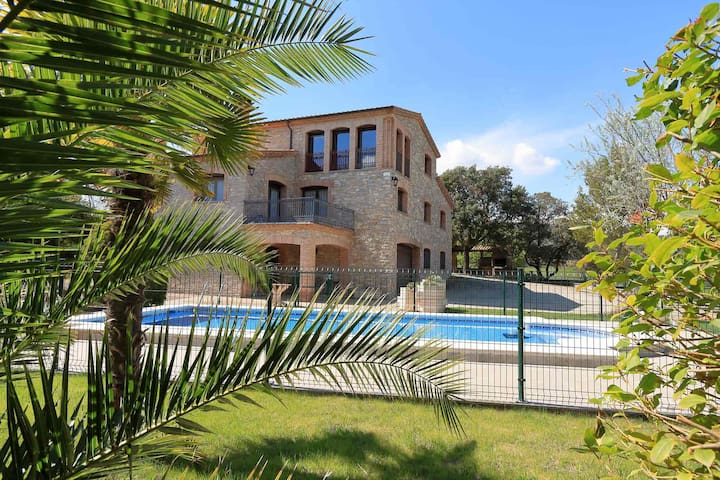 Rural cottage for 14 people at 1h from Barcelona - Fals - Villa
